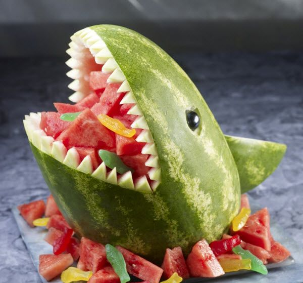 Creative-Animals-Made-of-Fruits-And-Vegetables-31.jpg