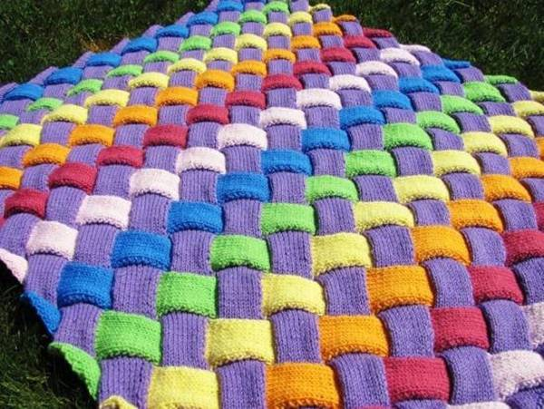 Knitting A Baby Blanket On A Loom : Diy colorful entrelac knitted baby blanket