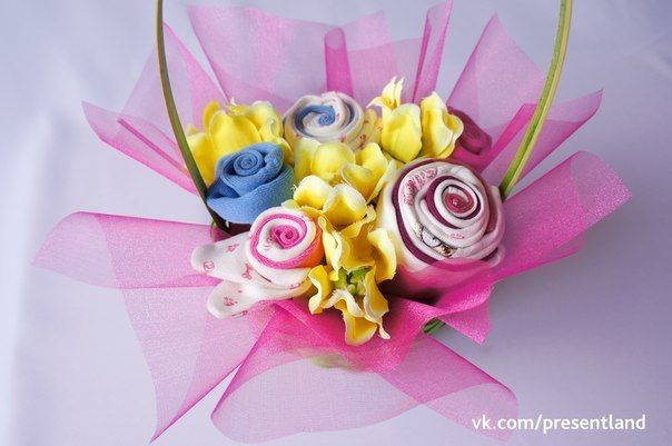 How to diy baby clothes flower bouquet how to diy baby clothes flower bouquet 9 negle Image collections
