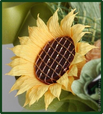 How-to-DIY-Crepe-Paper-Chocolate-Sunflowers-11.jpg