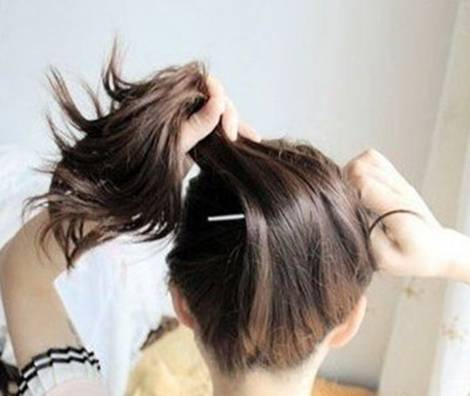 How-to-DIY-Easy-Bun-Hairstyle-Using-Chopstick-3.jpg