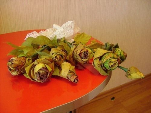 Creative Ideas - DIY Maple Leaf Rose Bouquet 10