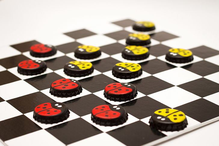 Diy Board Game With Bottle Cap Checkers