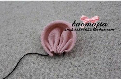 DIY Pretty Fabric Flower Hair Clip 3