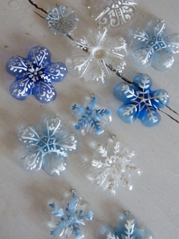Creative Ideas - DIY Plastic Bottle Christmas Tree 7