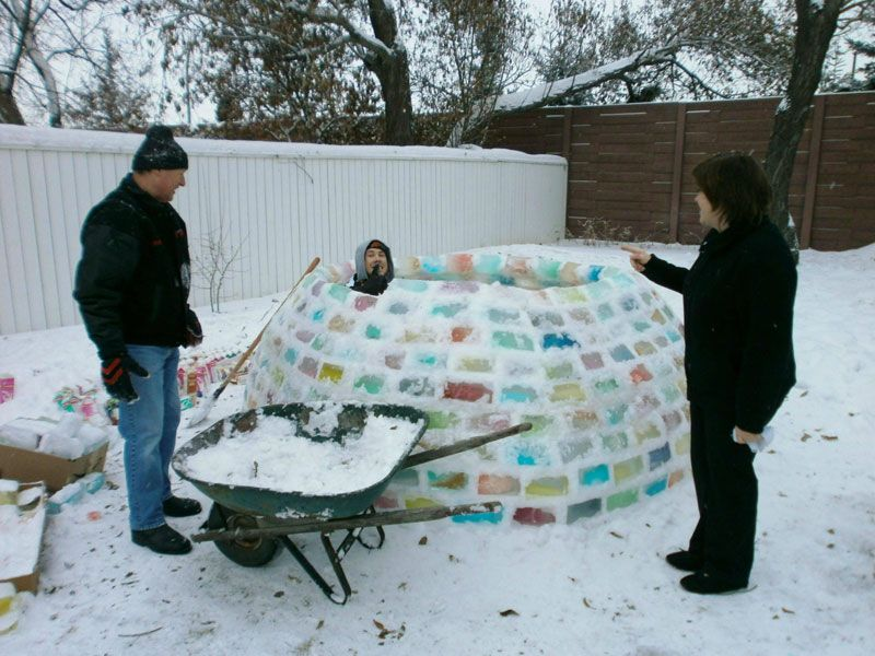 Creative Ideas - How to Build a Rainbow Igloo Using Milk Cartons 6