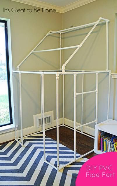 30+ Creative Uses of PVC Pipes in Your Home and Garden --> DIY PVC Pipe Fort