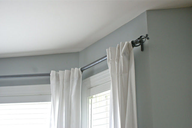 30+ Creative Uses of PVC Pipes in Your Home and Garden --> PVC Pipe Curtain Rods