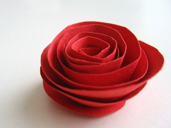 Creative Ideas - DIY Heart Shaped Paper Rose Valentine Wreath 4