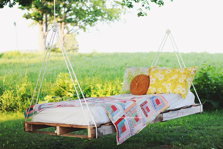 30+ Creative Pallet Furniture DIY Ideas and Projects --> DIY Pallet Swing Bed