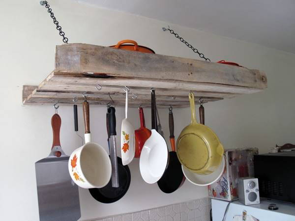 30+ Creative Pallet Furniture DIY Ideas and Projects --> DIY Pallet Pot Rack
