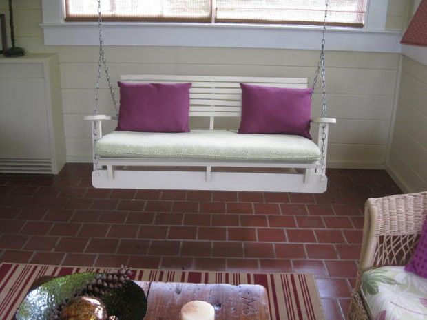 30+ Creative Pallet Furniture DIY Ideas and Projects --> DIY Pallet Swing Chair