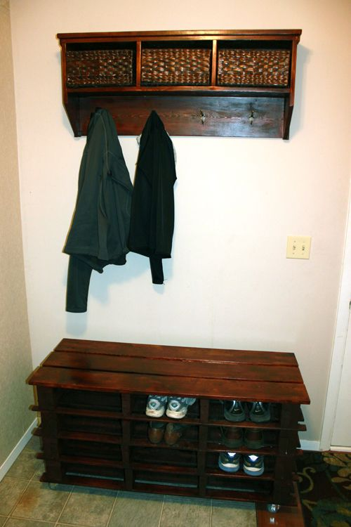 30+ Creative Pallet Furniture DIY Ideas and Projects --> DIY Pallet Shoe Storage Bench