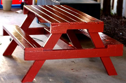 30+ Creative Pallet Furniture DIY Ideas and Projects --> DIY Pallet Picnic Table