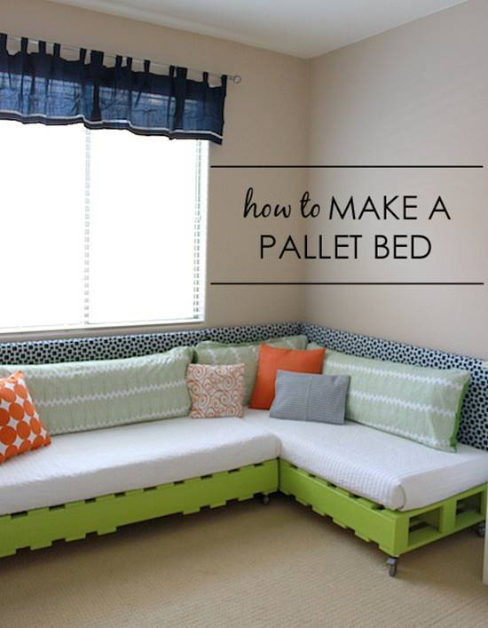 30+ Creative Pallet Furniture DIY Ideas and Projects --> How to Make a Pallet Bed