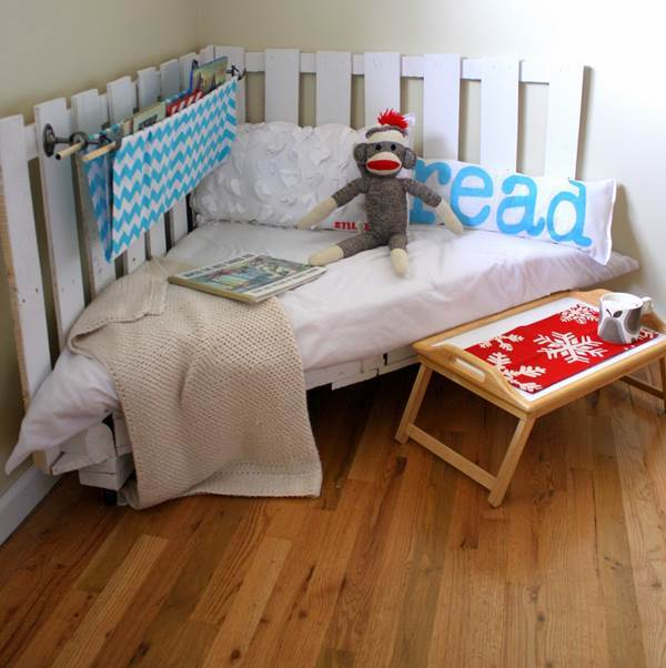 30+ Creative Pallet Furniture DIY Ideas and Projects --> How to Make a Pallet Reading Nook for Kids