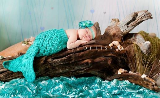 35+ Adorable Crochet and Knitted Baby Cocoon Patterns --> Mermaid Crochet Baby Cocoon