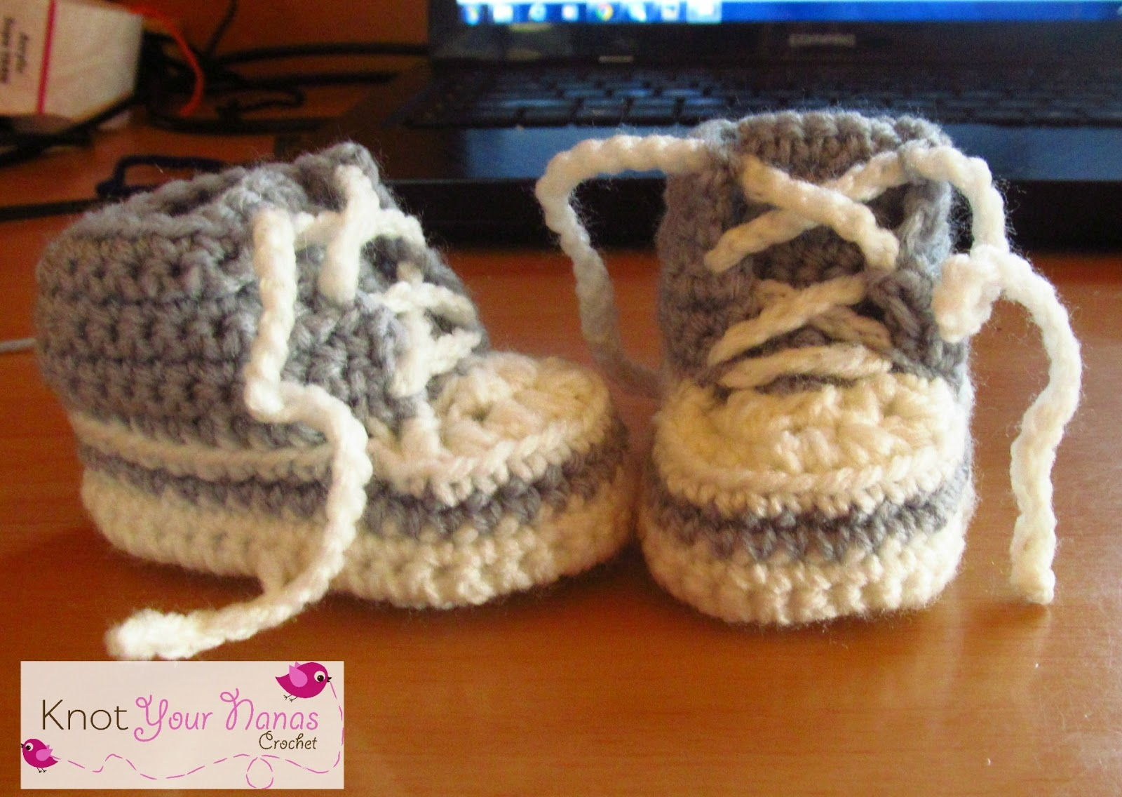 40+ Adorable and FREE Crochet Baby Booties Patterns --> Crochet Converse Newborn High Tops