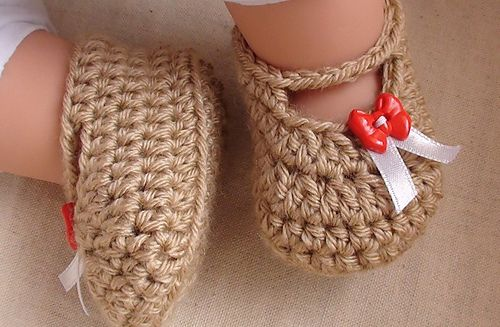 40+ Adorable and FREE Crochet Baby Booties Patterns --> Posh Crochet Baby Booties