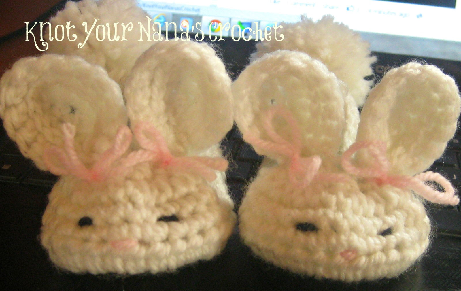 40+ Adorable and FREE Crochet Baby Booties Patterns --> Crochet Bunny Slippers