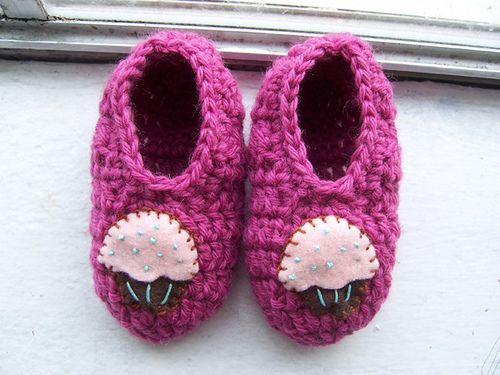 40+ Adorable and FREE Crochet Baby Booties Patterns --> Crochet Slippers