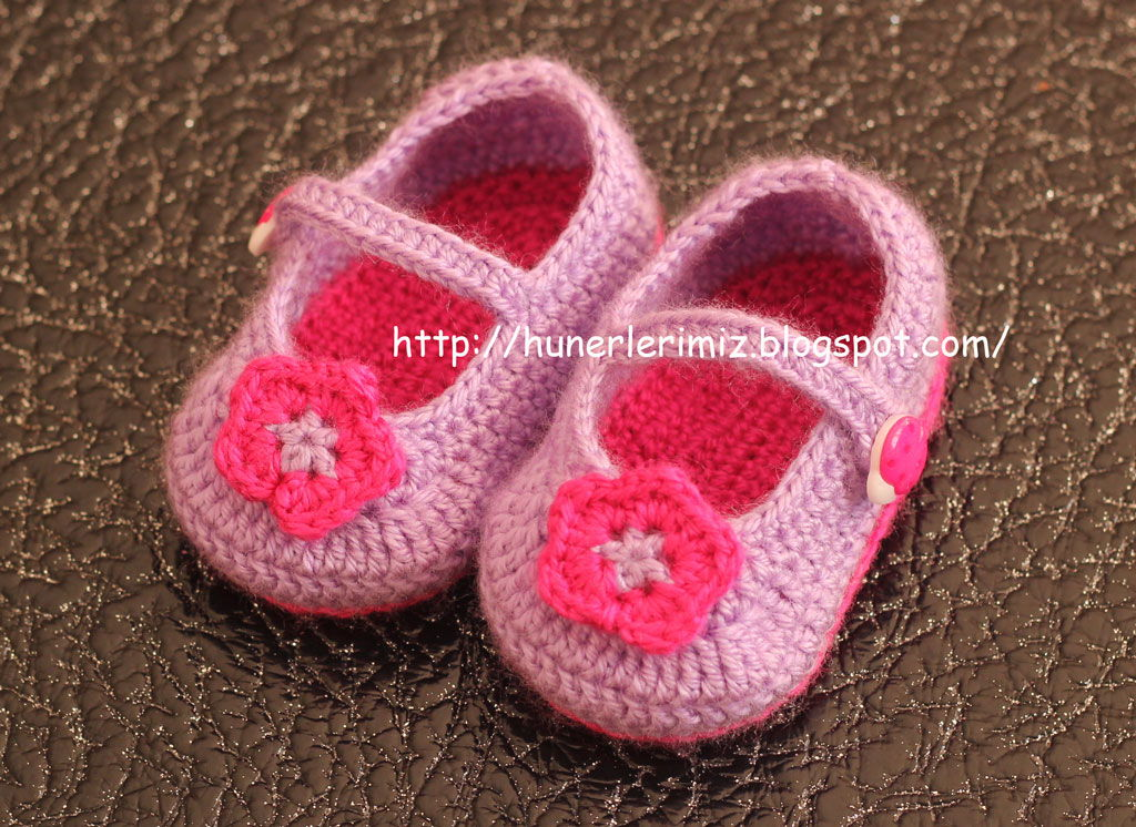40+ Adorable and FREE Crochet Baby Booties Patterns --> Crocheted Baby Booties