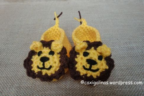 40+ Adorable and FREE Crochet Baby Booties Patterns --> Lion Baby Booties