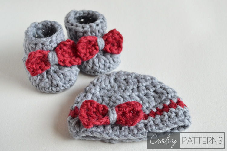 40+ Adorable and FREE Crochet Baby Booties Patterns --> SO FLUFFY Crochet Baby Booties