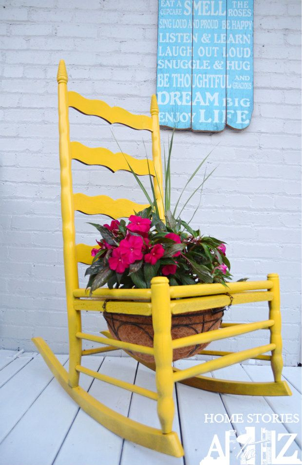 40+ Creative DIY Garden Containers and Planters from Recycled Materials --> Old Chair Garden Pots