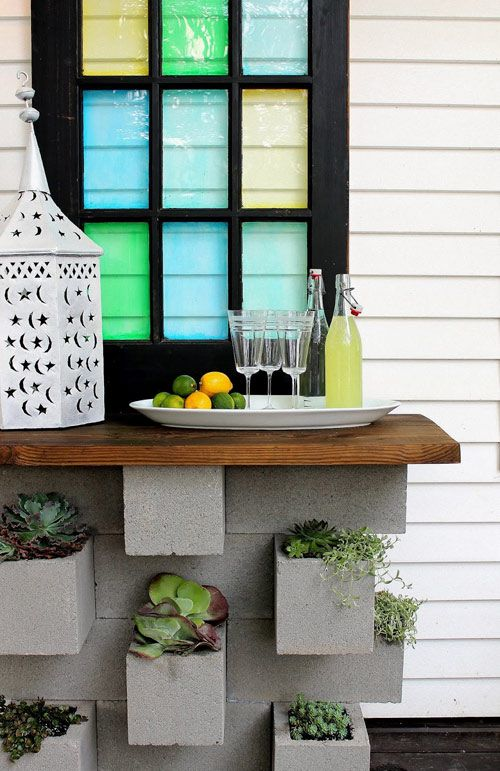 30+ Creative DIY Wine Bars for Your Home and Garden --> DIY Cinder Block Planter Bar