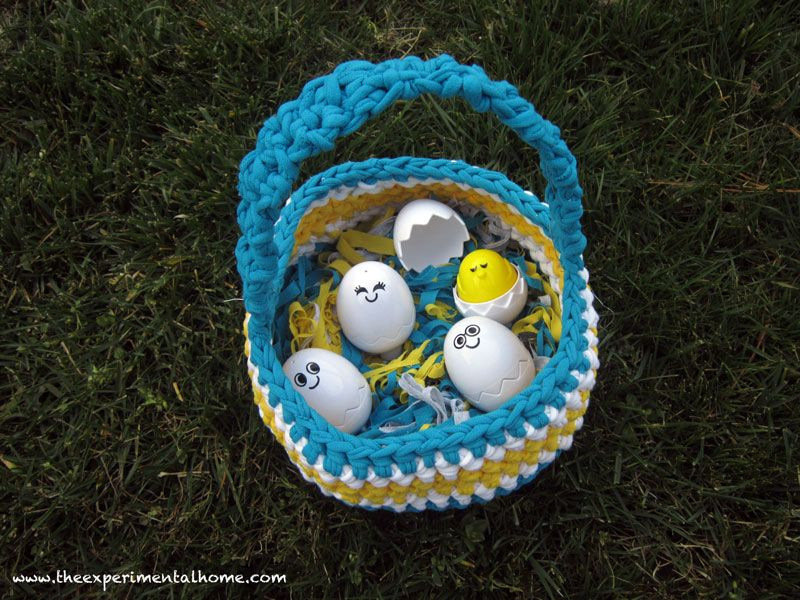 40+ Creative Ideas to Repurpose and Reuse Your Old T-shirts --> T-shirt Yarn Easter Basket