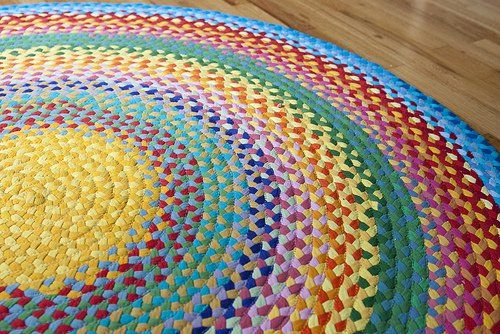 40+ Creative Ideas to Repurpose and Reuse Your Old T-shirts --> The Rainbow Rug