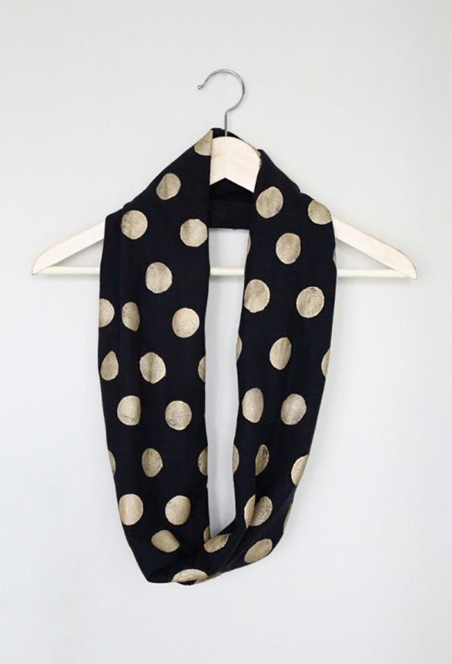 40+ Creative Ideas to Repurpose and Reuse Your Old T-shirts --> DIY No-sew Polka Dot Infinity Scarf