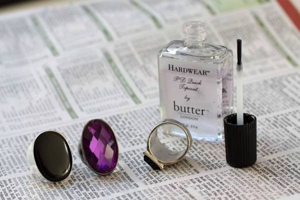 20+ Creative Uses of Nail Polish That You Need to Try --> Painting the Inside of Rings with Nail Polish