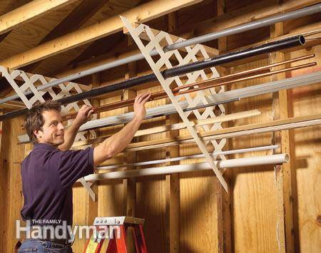 30+ Creative Ways to Organize Your Garage --> Use plastic lattice to store long materials such as pipes and trims