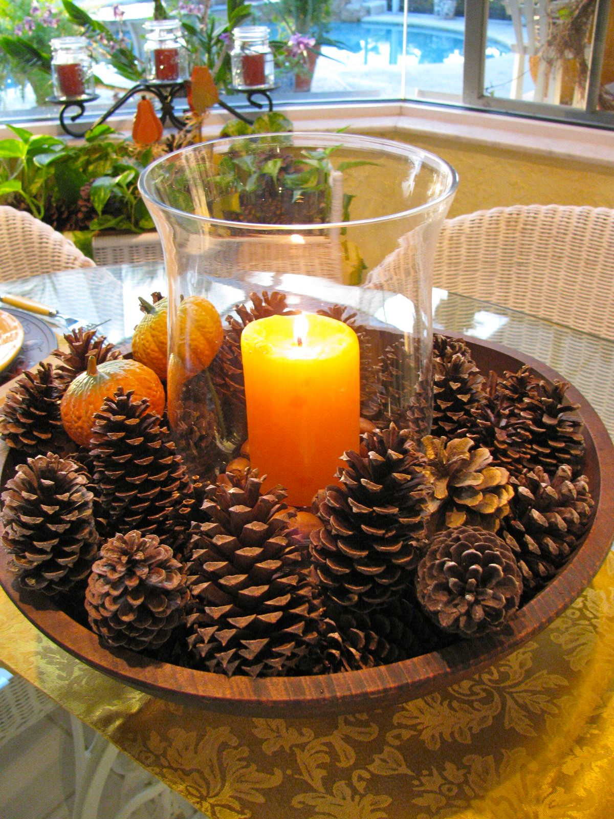 40+ Creative DIY Holiday Candles Projects --> DIY Fall Centerpiece with Pine Cones, Candle and Vase