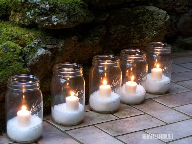 40+ Creative DIY Holiday Candles Projects --> DIY Epsom Salt Glitter Snow Mason Jar Candles