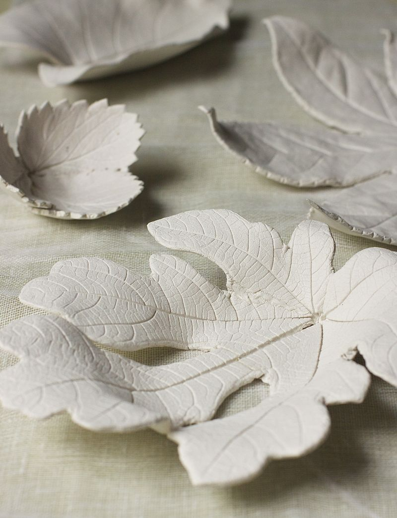 40+ Creative DIY Craft Projects with Fall Leaves --> Clay Leaf Bowls