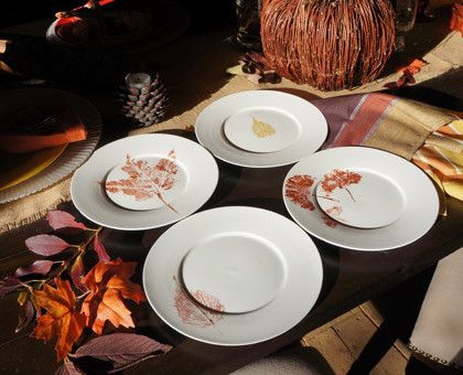 40+ Creative DIY Craft Projects with Fall Leaves --> Stamped Metallic Leaf Plates
