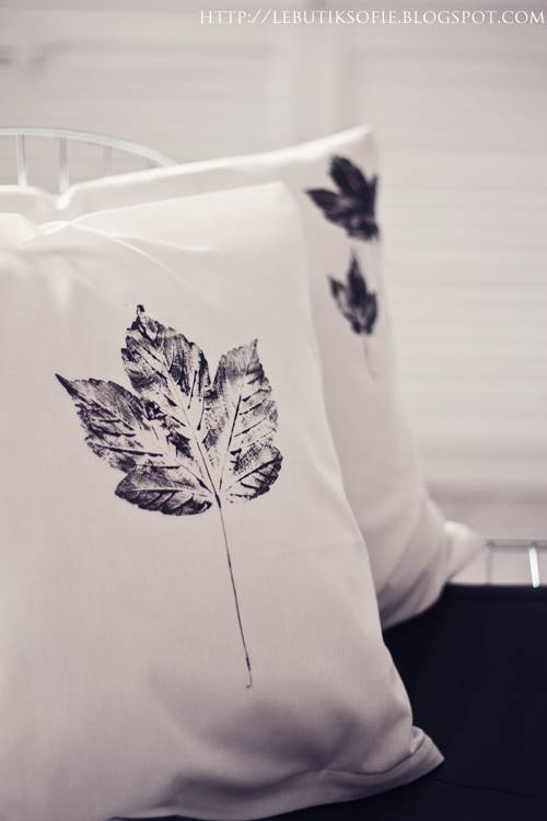 40+ Creative DIY Craft Projects with Fall Leaves --> DIY Leaf Pillow Cases