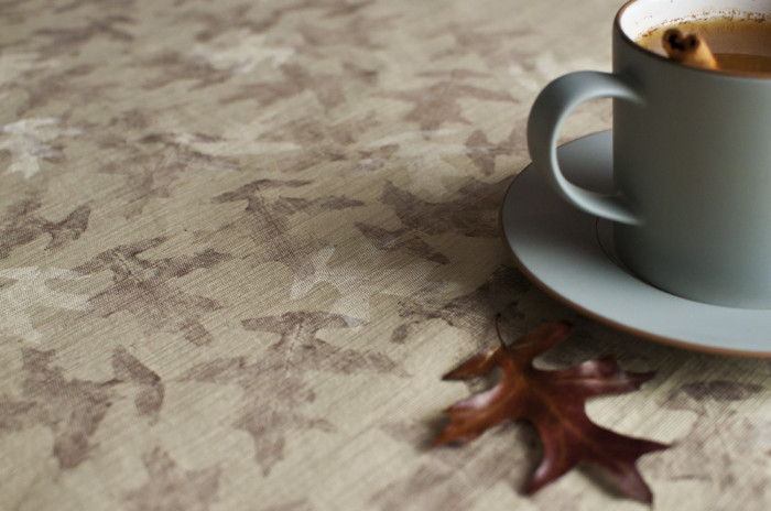 40+ Creative DIY Craft Projects with Fall Leaves --> Leaf Printed Linens