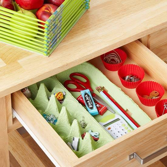 40+ Organization and Storage Hacks for Small Kitchens --> Use egg crate to organize small items in the drawer