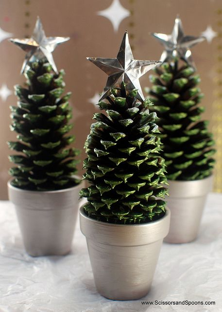 40+ Creative Pinecone Crafts for Your Holiday Decorations --> Pinecone Christmas Trees