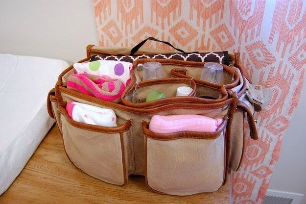 30+ Brilliant Mom Hacks That Will Make Your Life Easier --> A camera bag makes a perfect diaper bag as it has lots of compartments to hold different baby stuffs.