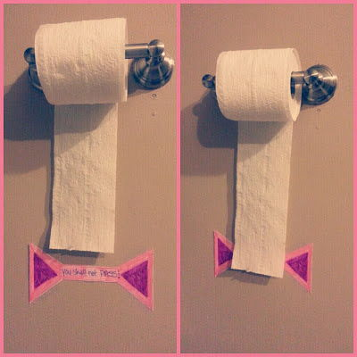 30+ Brilliant Mom Hacks That Will Make Your Life Easier --> Create a visual sign to show the limit and prevent kids from wasting toilet paper.