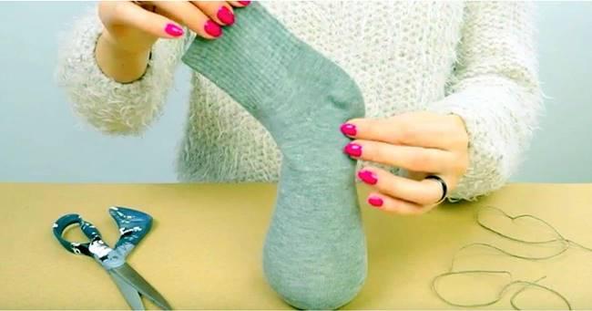Creative Ideas - DIY No Sew Sock Bunny