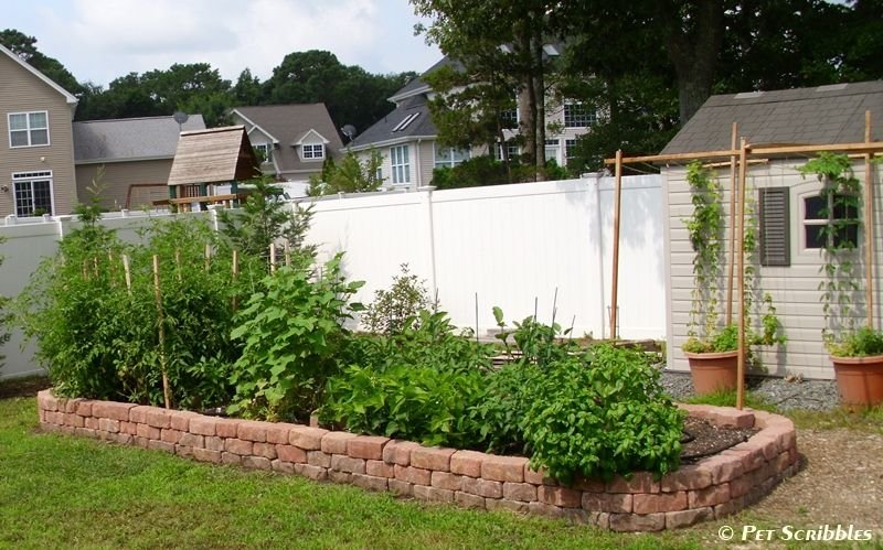 30+ Creative DIY Raised Garden Bed Ideas And Projects --> Build A Raised Garden Bed Using Cobbled Paver Stones