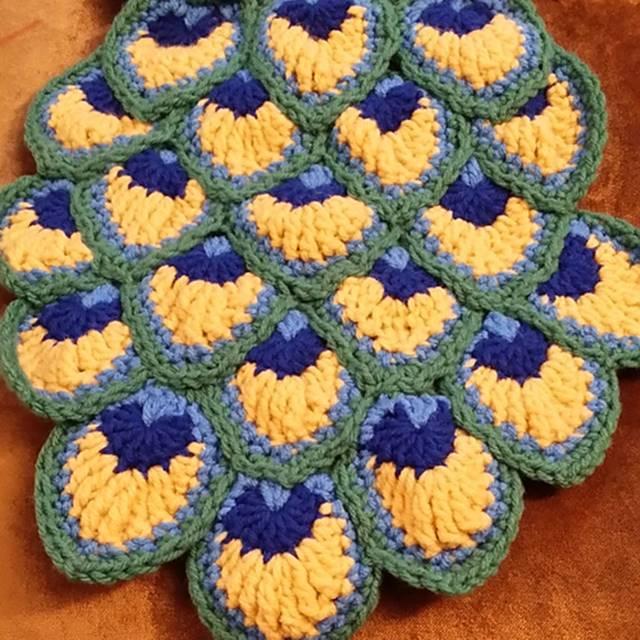 Creative Ideas - DIY Pretty Crochet Peacock Blanket
