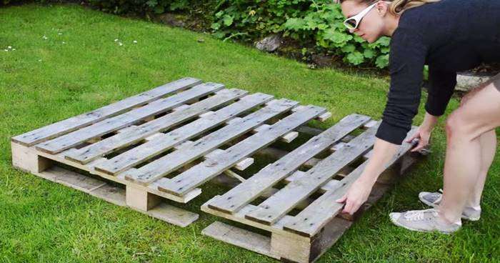 Creative Ideas - DIY Strawberry Pallet Planter