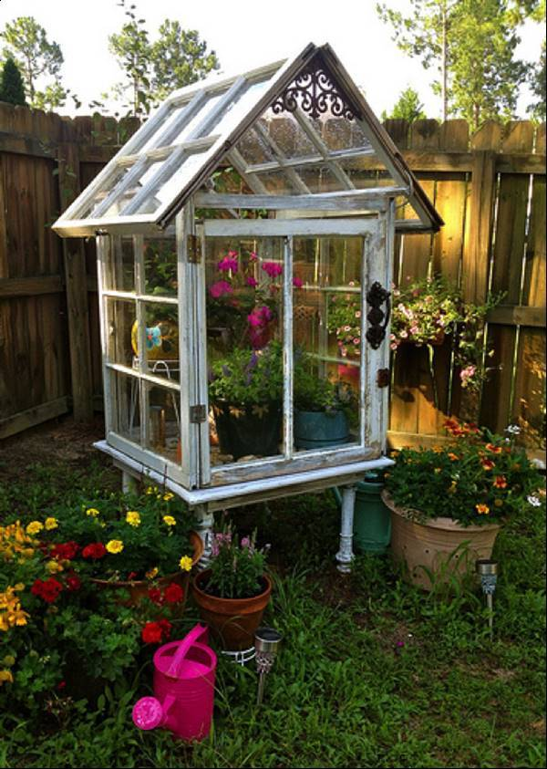 How to Build a Miniature Greenhouse from Old Windows